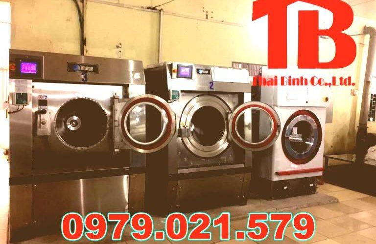 """Xem ngay: 3 mẫu máy giặt công nghiệp đế cứng đang """"làm mưa làm gió"""" trên thị trường"""