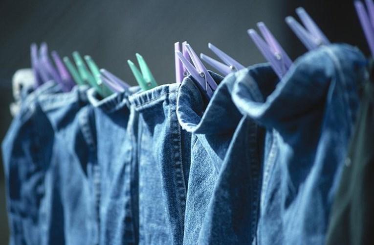cách giặt quần áo nhanh khô