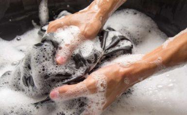 Không cần lo lắng với cách giặt quần áo nhanh khô vào mùa mưa bão