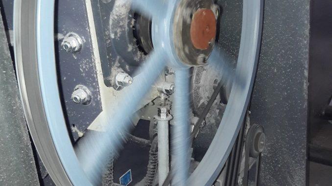 máy giặt công nghiệp cũ
