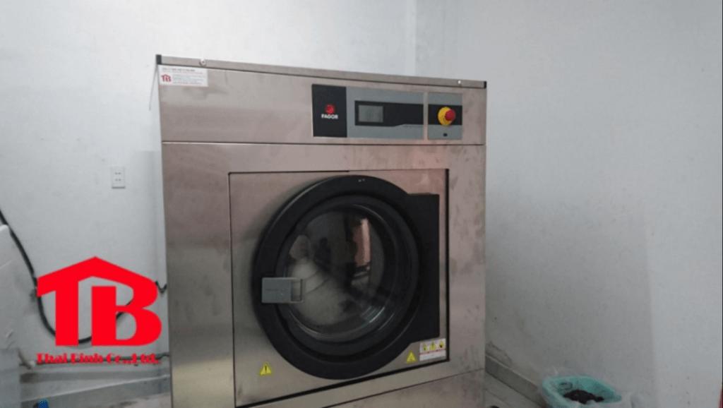 máy giặt công nghiệp dành cho bệnh viện 2